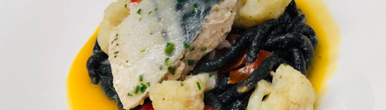 Primo piatto di pesce raggiazzurro